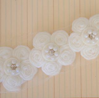 PCT2072 - Antique Pearl Center Flower Trim