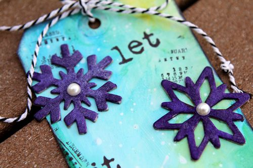 Ronda Palazzari Let it Snow Tag details