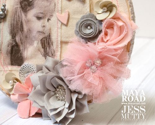 Lily Muslin Hoop detail1_Jess Mutty_Maya Road