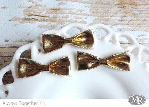 At-gold-bows